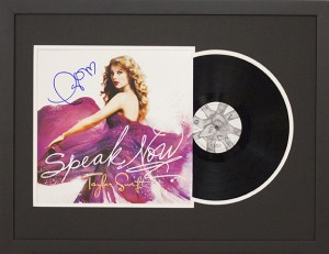 Taylor-Swift-Record-Album
